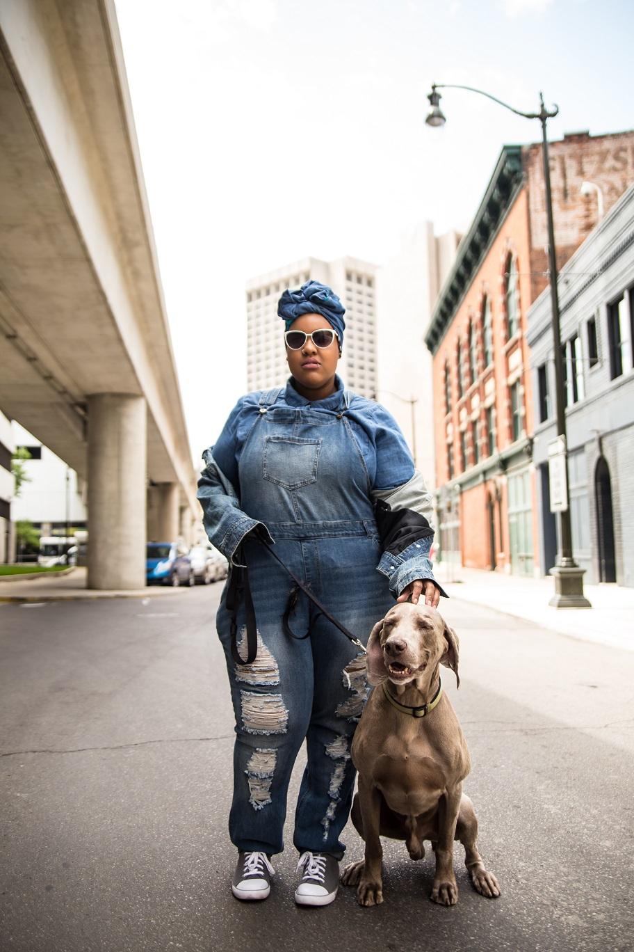 Leah-Vernon-Plus-Size-Model-Detroit-Blogger-Muslim-Girl-Body-positive-dogs-of-instagram