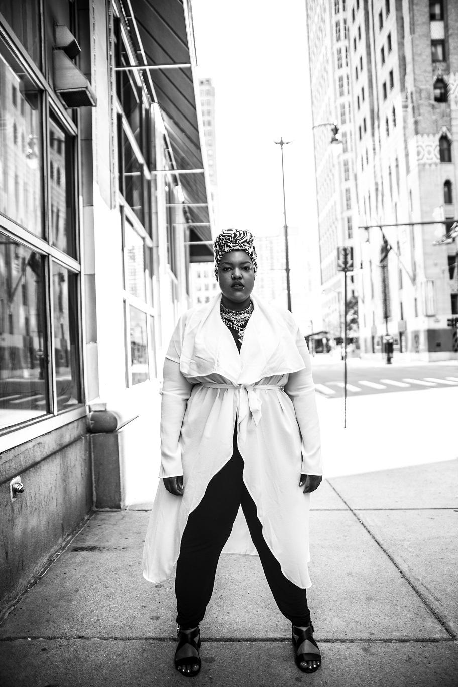 Plus-Size-Detroit-Style-Blogger-Street-Style-Body-Positive-Muslim-Girl-1