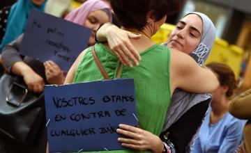 Woman in Headscarf Beaten Senseless by 3 Boys in Spain