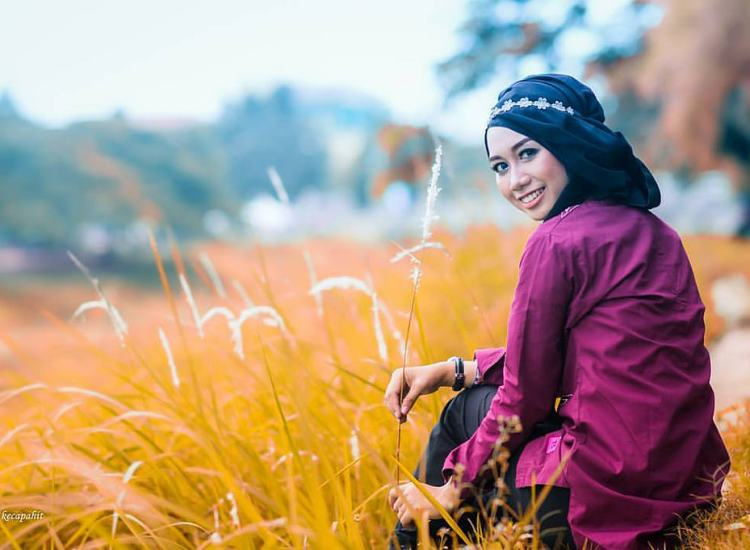 Hijab Is Not a Binary, so Why Do We Treat It as Such?