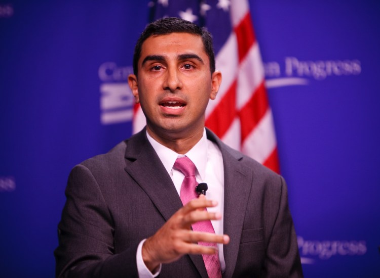 Meet the First Muslim to Lead a Presidential Campaign