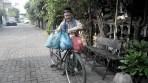 Kisah Inspiratif Kakek 92 tahun yang Sedekah 150 Bungkus Nasi Setiap Jumat