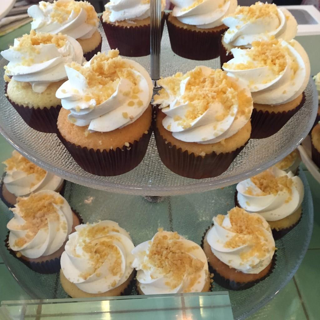 Fluff Bakery Singapore Halal Cupcakes Salted Egg Custard Bun HHWT