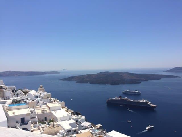 Reader Story: Exploring Crete and Santorini as Muslim Women Travelling Alone