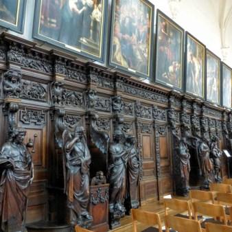 konfesjonały i obrazy