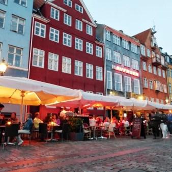 25. Nyhavn wieczorem