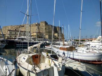 16. Castel dell'Ovo