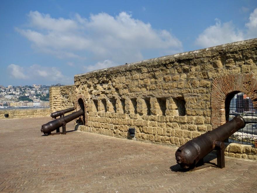 21. Castel dell'Ovo