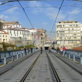 31. Na górym poziomie mostu Ludwika I