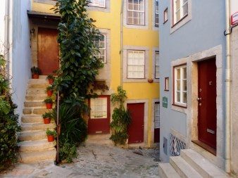 8. Kolorowe uliczki Porto