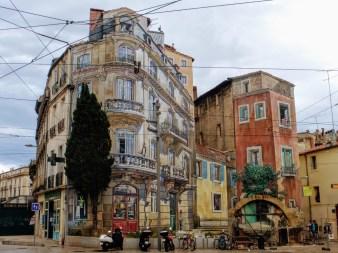 1-malowany budynek