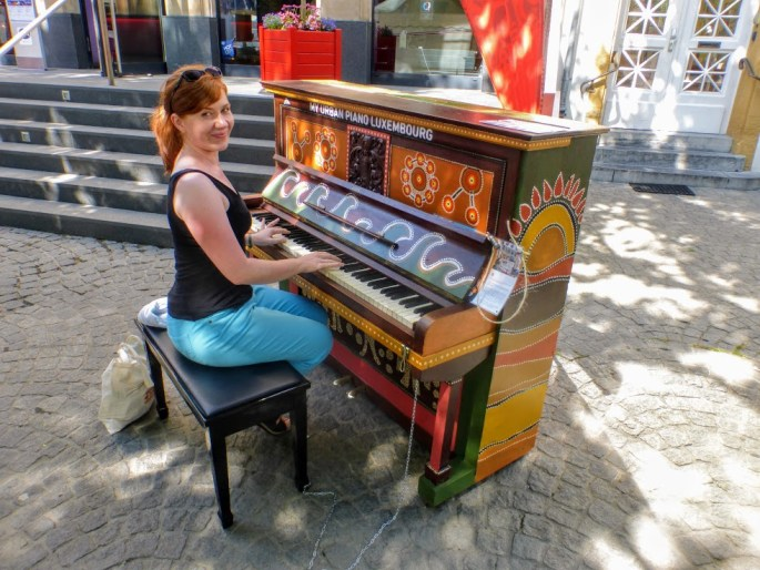pianino-na-placu