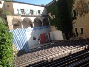 Noch Burghofspielbühne, morgen BurgSongFest-Bühne