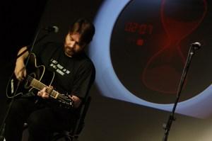 Eingesprungen mit Flonotons Gitarre: Wildling
