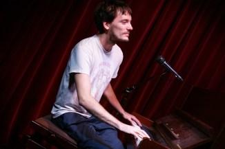 Spielte die Abspannmusik: Gast-Comoderator Peter Fischer
