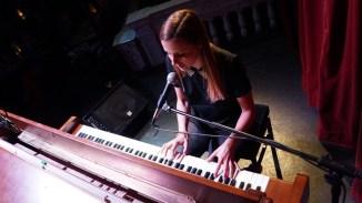 Pianosongs von einer Nichthessin: Helena Haerle
