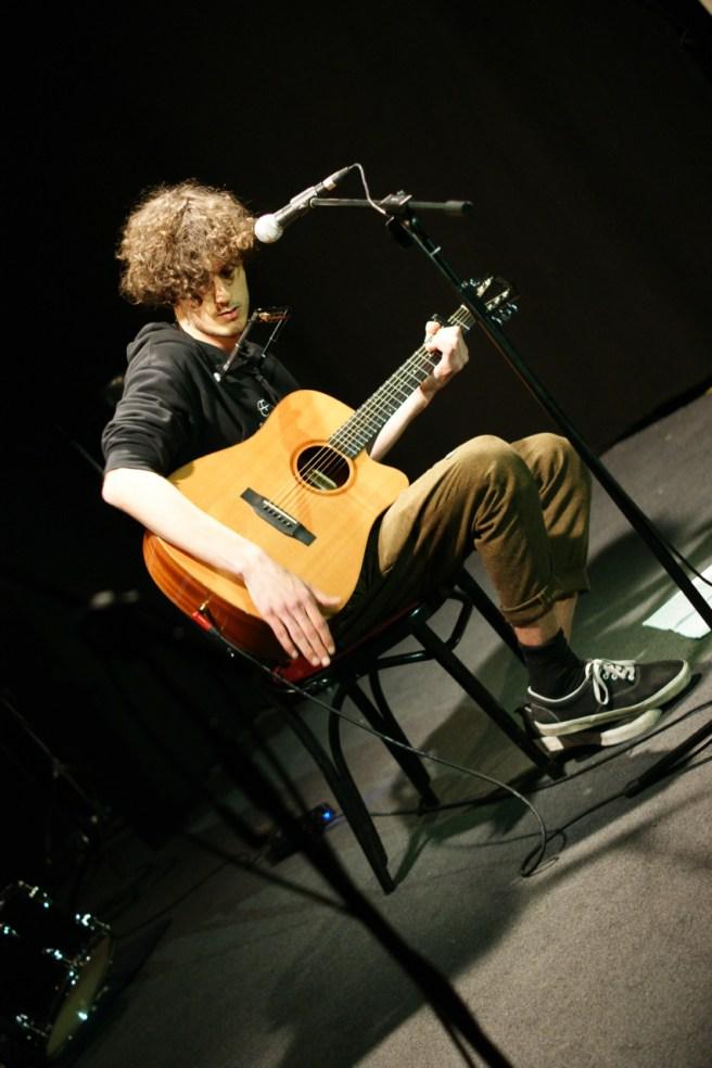 Wohlklingendes Gitarrenspiel: Manuel Winhart