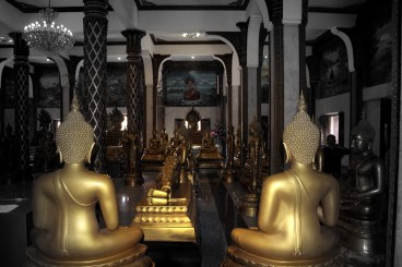 Golden Buddha 2 - images of Thailand