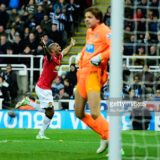 465229644-newcastle-goalkeeper-tim-krul-reacts-as-gettyimages[1]