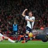 LONDON, ENGLAND - NOVEMBER 08:  Harry Kane of Tottenham Hotspur scores a goal to make it 0-1 during the Barclays Premier League match between Arsenal and Tottenham Hotspur at Emirates Stadium on November 8, 2015 in London, England.  (Photo by Catherine Ivill - AMA/Getty Images)