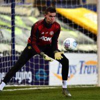 Matej Kovar återkallas från Swindon Town