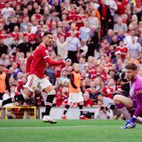 Ronaldo tvåmålsskytt i återkomsten