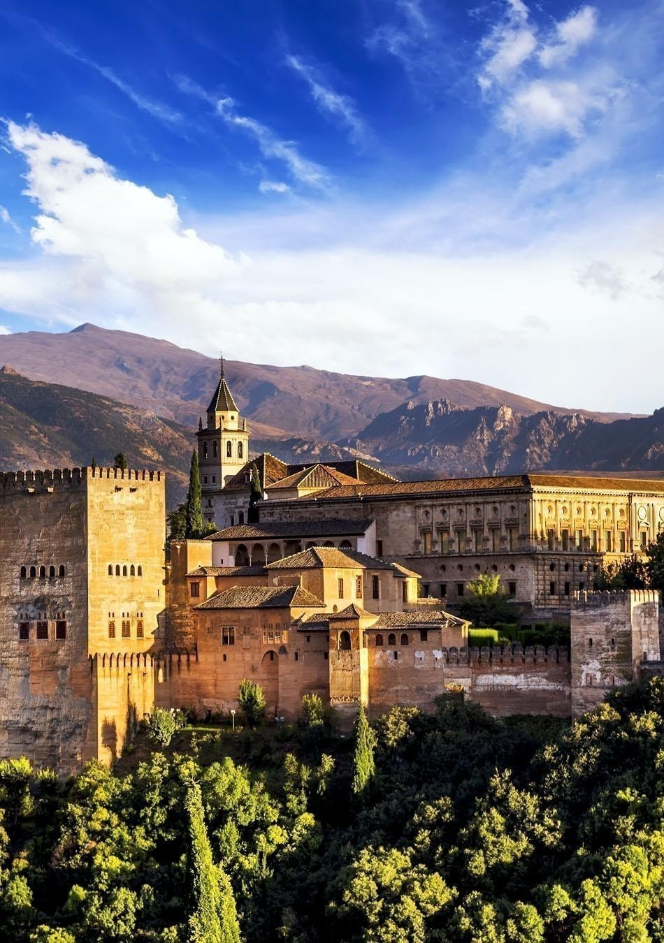 Ancient arabic fortress of Alhambra, Granada | Spain Travel Guide