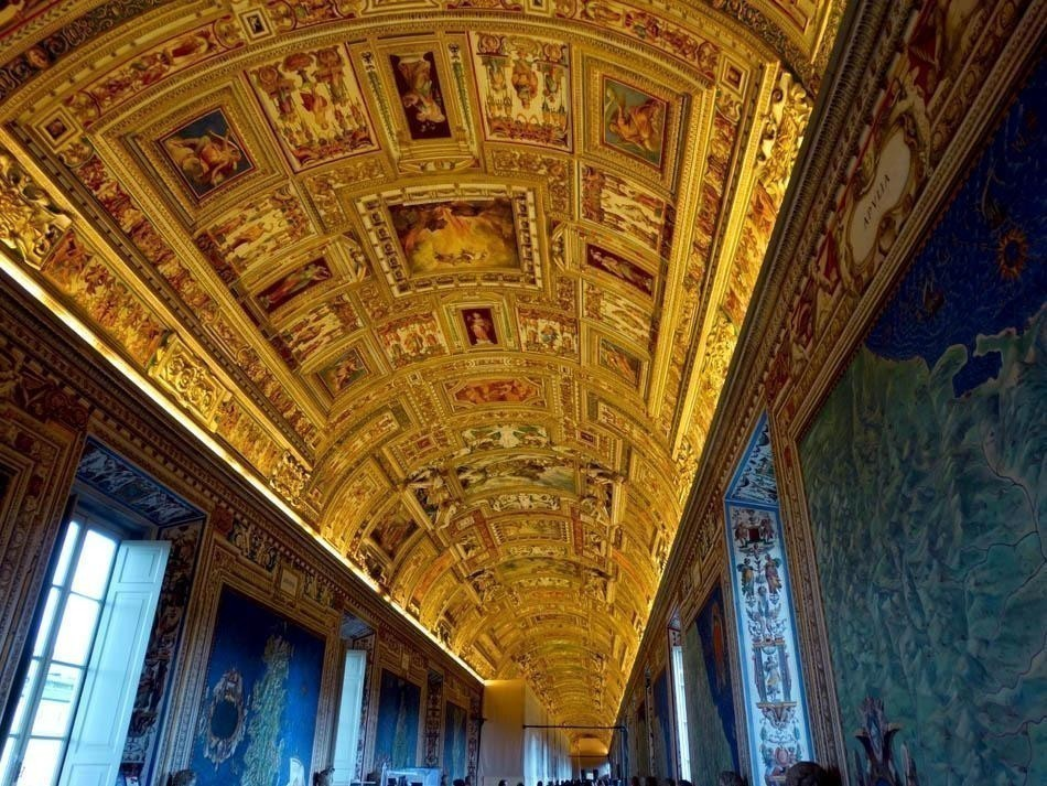 Galleria delle Arte Geografiche, Vatican Museums | What to do in a rainy day in Rome - the Eternal City