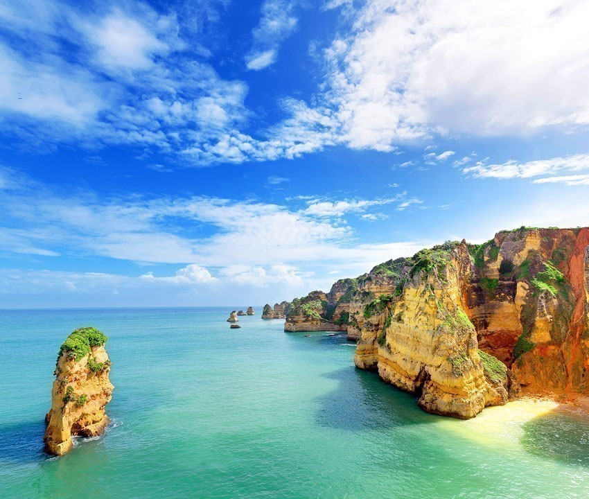 Idyllic beach landscape at Lagos, Algarve | 11 Must-See attractions in Portugal
