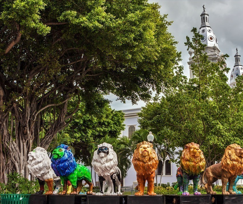 The old town of the city of Ponce and its colorful lions in Puerto Rico | Puerto Rico Travel Guide