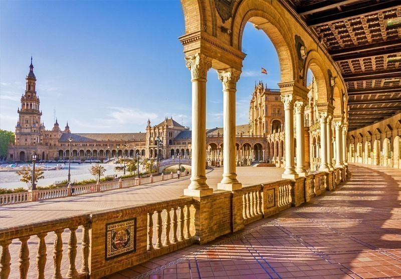 Spain Square (Plaza de Espana) in Seville, built on 1928, it is one example of the Regionalism Architecture mixing Renaissance and Moorish styles. | 10 Best Places to Visit in Spain