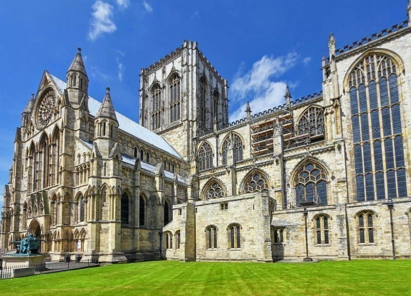 10 Gothic Cathedrals in Europe You Must Visit - Page 2 of 11