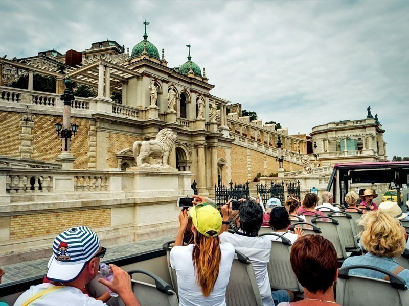 Tourists taking pictures of Buda Castle in Budapest, Hungary | What to Do in Budapest in 3 Days