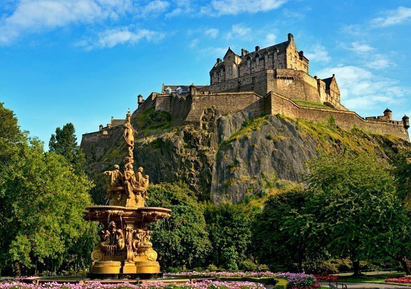 Edinburgh Castle, one of the most important strongholds in the Kingdom of Scotland | What to Do in Edinburgh in 3 Days