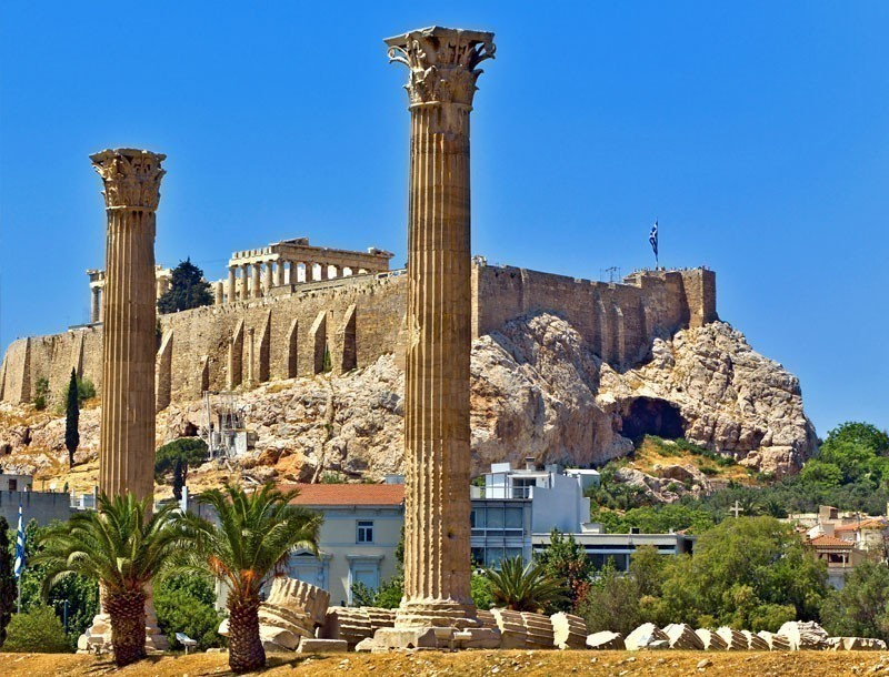 Temple of the Olympian Zeus and the Acropolis    |   What to Do in Athens in 3 Days