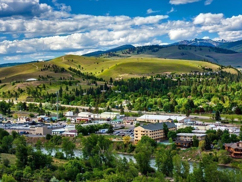 The charming small town of Missoula is positioned so that it represents a convenient stop for travelers on their way to the legendary Yellowstone National Park | 10 Best Places To Visit In Montana