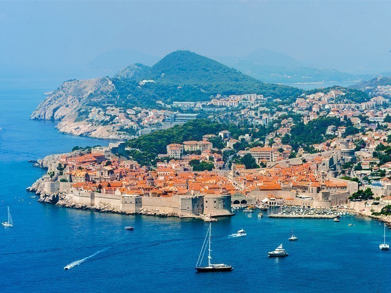 Amazing aerial view over the Old Town of Dubrovnik, Croatia | What to Do in Dubrovnik in 3 Days