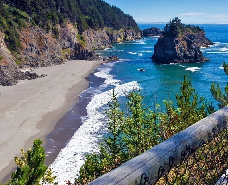 Boardman State Park can be found near the City of Brookings and Route 101 | 10 Best Places To Visit In Oregon