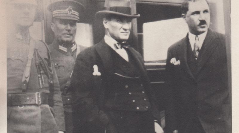 Reşat Nuri Güntekin, Atatürk