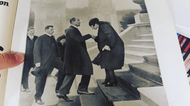 Atatürk, Fransız L'Illustration Dergisi Kapağında. (16 Temmuz 1927)