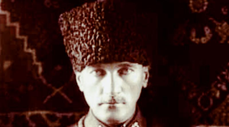 Atatürk'ün Kuran Okuyana Saygısı