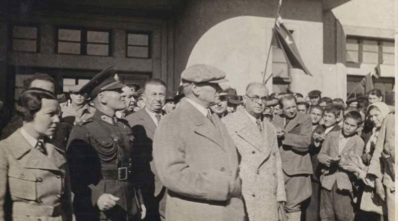 Atatürk'ün Öğretmenlerle Çekilen 10 Fotoğrafı