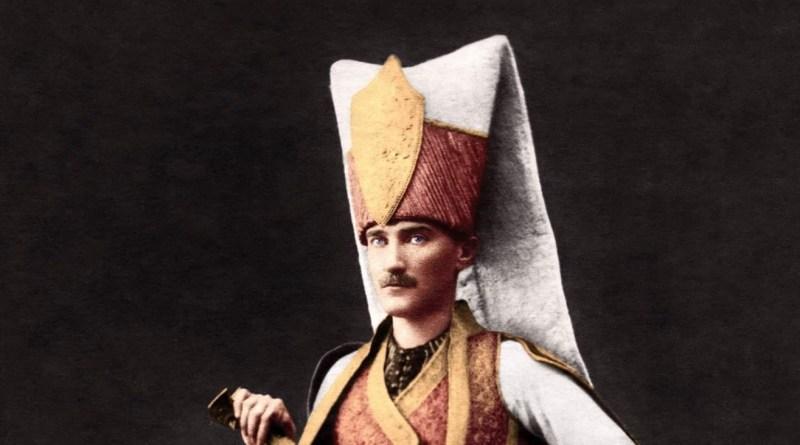 Mustafa Kemal Komuta Edeceği Askerini Arıyordu