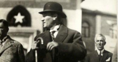 Atatürk Sevr İle Lozan'ı Kıyaslıyor