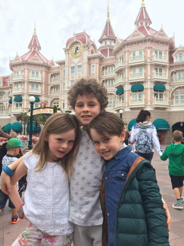 De 3 musketiers voor het Disneyland Hotel