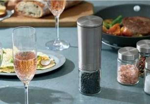日本Toffy廚房家電新商品!既省力又方便的「電動Salt&Pepper研磨機」