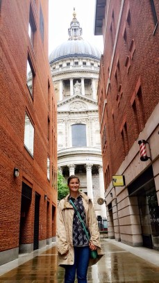 St paul's cathedral exploring london