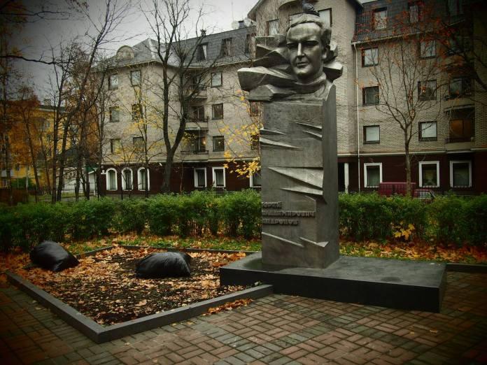 Памятник Андропову в Петрозаводске. Фото: Валерий Поташов