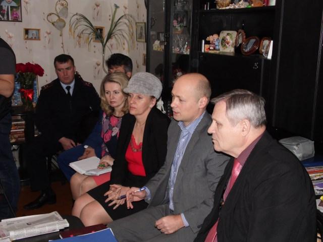 На встречу с голодающими прибыл представитель уполномоченного по правам человека в РФ. Фото: Алексей Владимиров