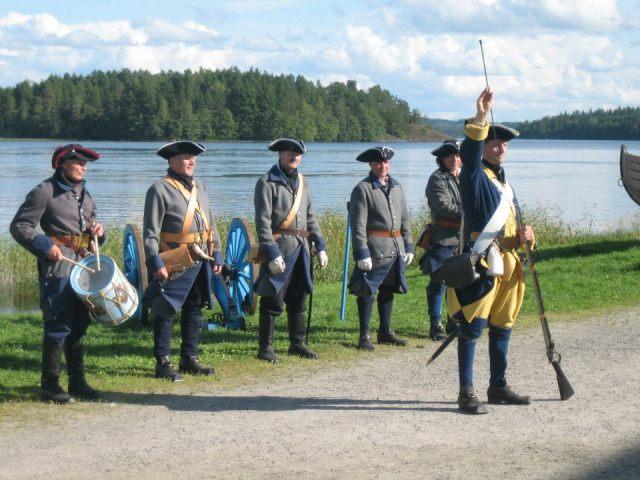 Военно-историческая реконструкция в финском городке Савонлинна. Фото: Валерий Поташов